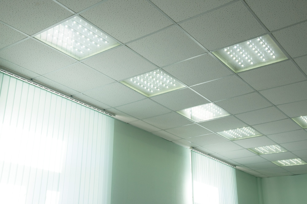Инновационные офисные потолочные светильники мощностью 14–58 Вт создают комфортное и приятное для глаз освещение, эстетичны, экономны и просты для установки.