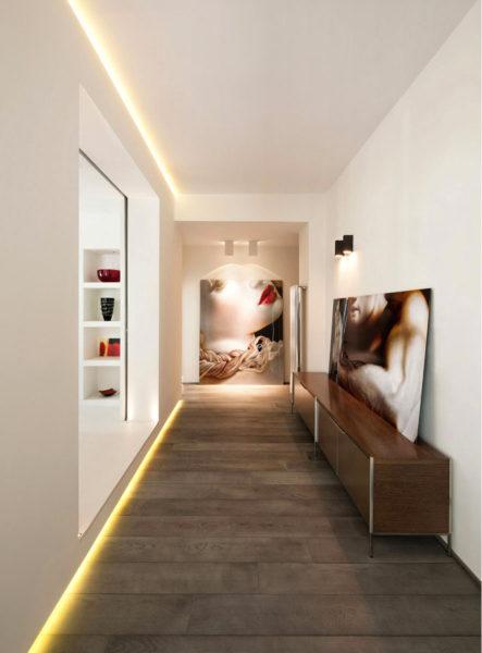Светодиодные ленты помогут решить проблему освещения длинной комнаты.