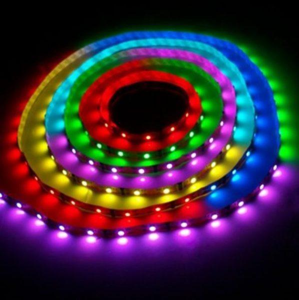 Светодиодные ленты помогут вам создать разнообразные световые эффекты.