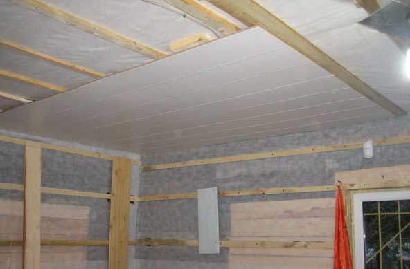 Устройство потолочной конструкции: установка пластиковых панелей