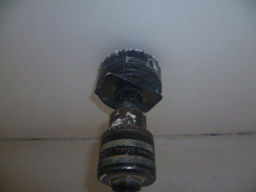 Монтаж светильников потолочных – устройство отверстия в гипсокартонном потолке