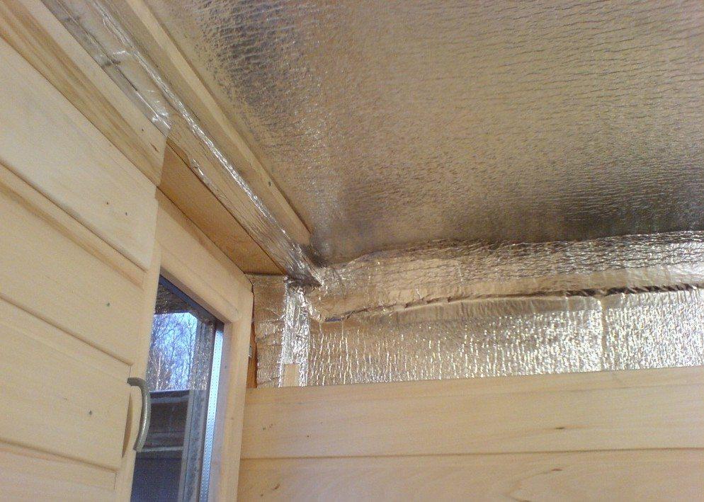 Потолок в бане должен быть утеплённым