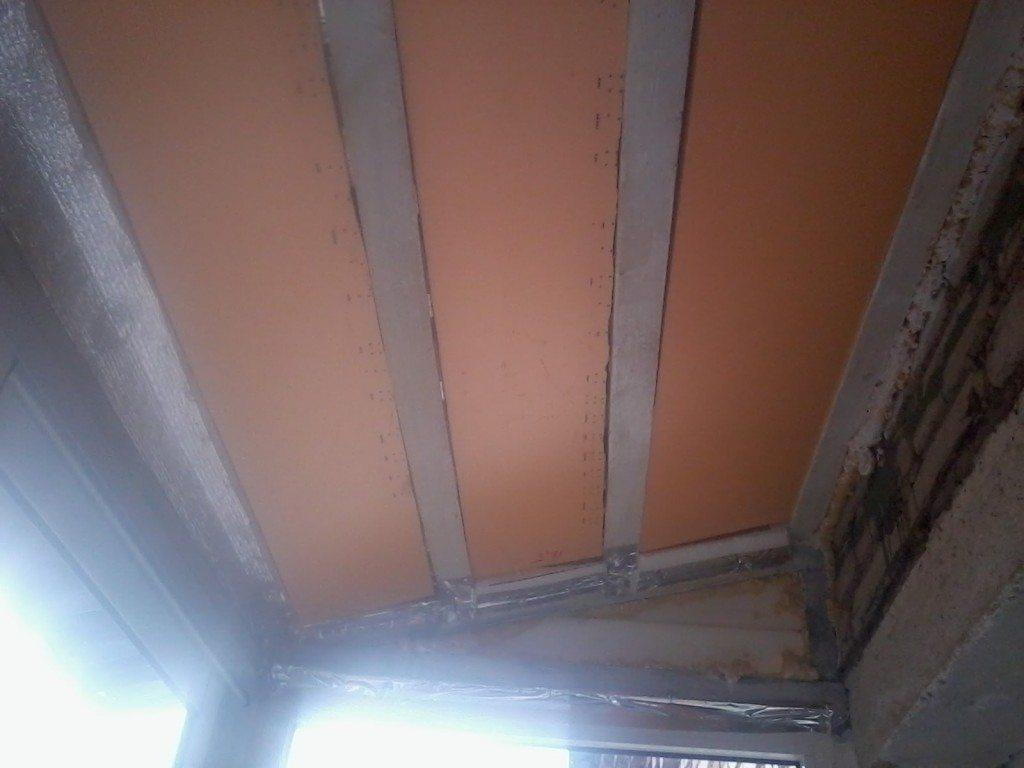 Потолок утеплён пеноплексом под кровлю