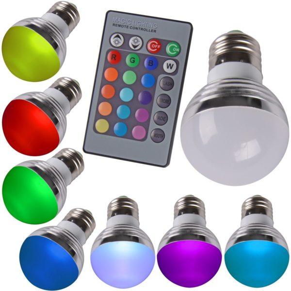 В светильник можно вставлять лампочки разных цветов.
