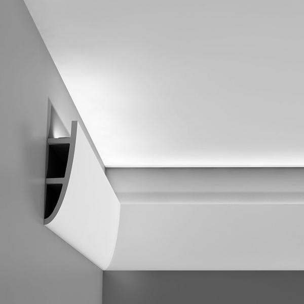 Вариант плинтуса для монтажа контурного освещения