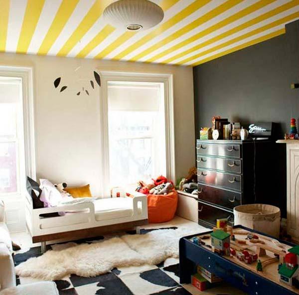 Как клеить флизелиновые обои на потолок: полезные советы домашним мастерам
