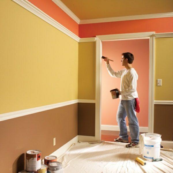 Водоэмульсионная краска для потолка и стен во время эксплуатации ведёт себя очень послушно