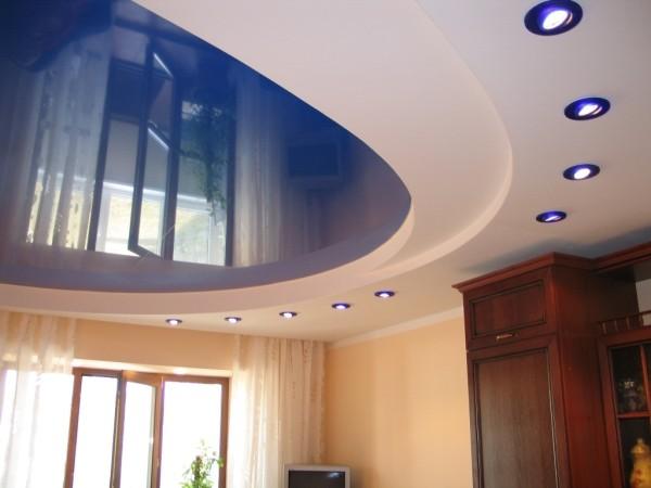 Встраиваемые диодные приборы прекрасно гармонируют с натяжным разноуровневым потолком