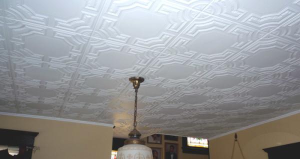Маскирование при помощи потолочной плитки