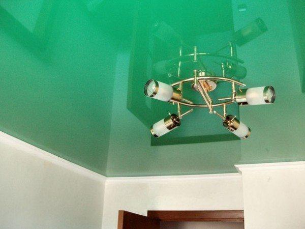 Зеленый потолок.
