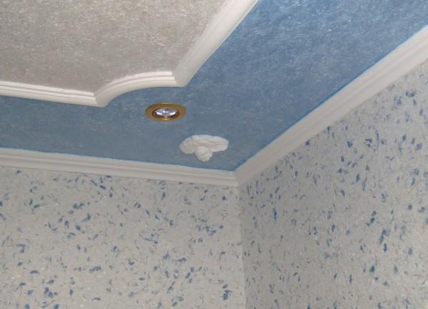 Жидкие обои на потолок: новые грани использования